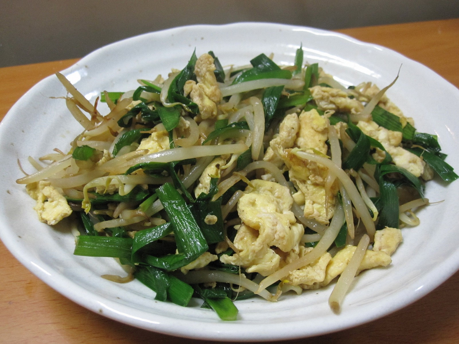 Sprouts-Chives-Egg-Stir-Fry