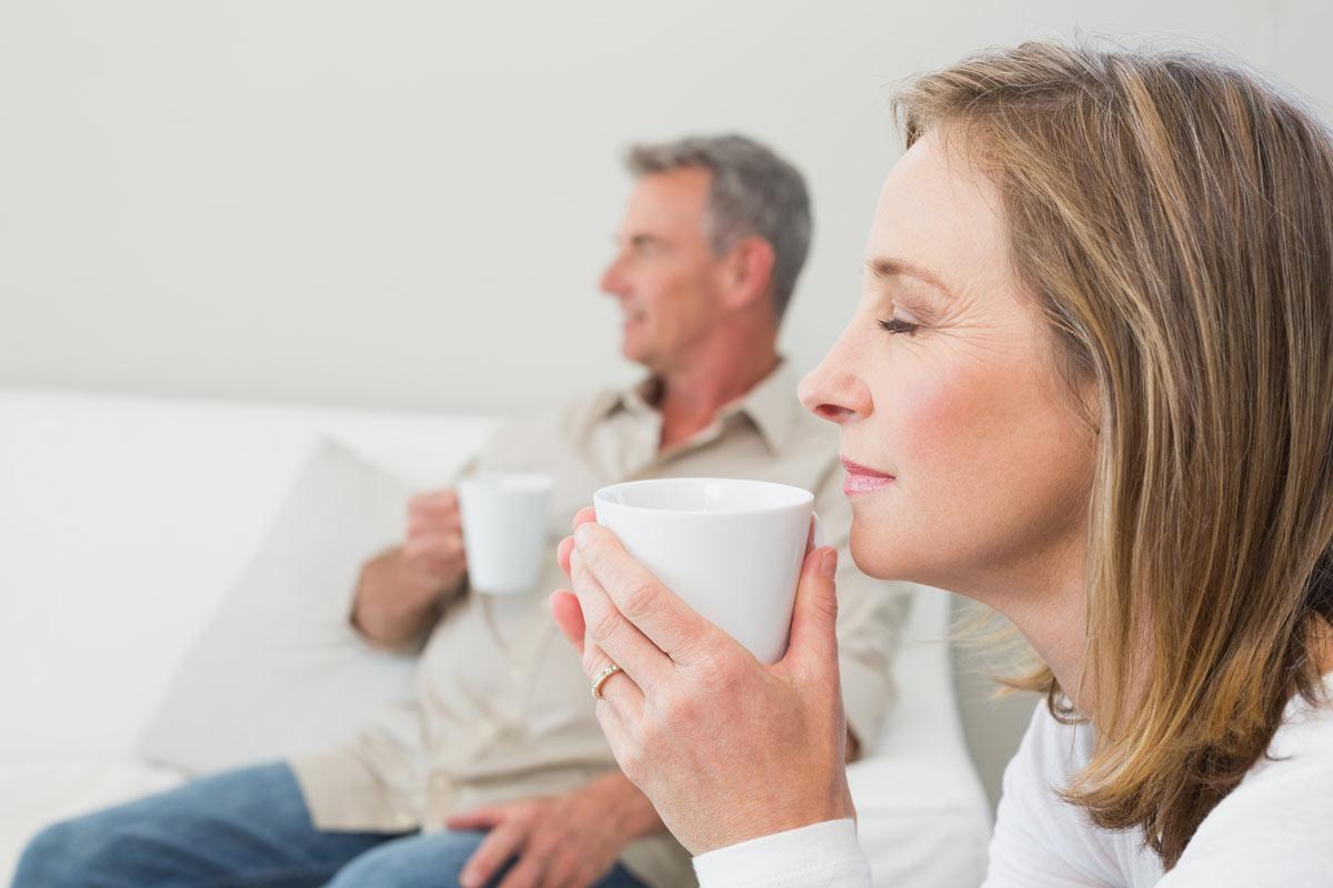 couple-drinking-tea_medium