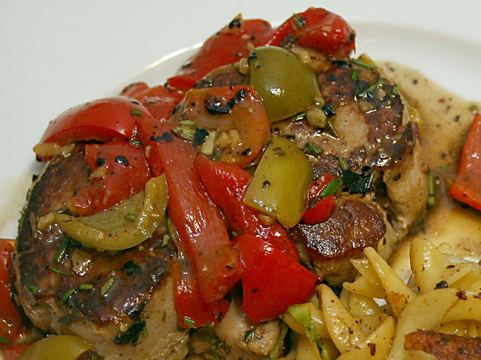 pork-with-peppers-56a1c87e5f9b58b7d0c297a5