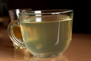 Warm-water-with-honey-and-lemon-juice